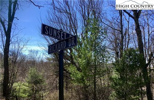 Photo of 882 Sunset Drive, Blowing Rock, NC 28605 (MLS # 230676)