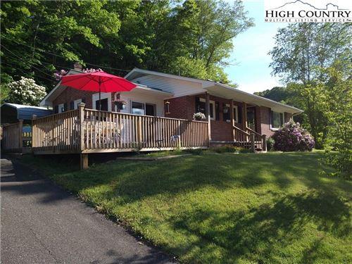 Photo of 380 Piney Creek Road, Lansing, NC 28643 (MLS # 231676)