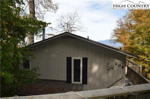 Photo of 204 Northridge Road, Beech Mountain, NC 28604 (MLS # 233683)