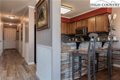 Photo of 301 Pinnacle Inn Road #3208, Beech Mountain, NC 28604 (MLS # 233707)
