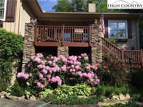 Photo of 204 High Ridge Lane, Blowing Rock, NC 28605 (MLS # 219719)