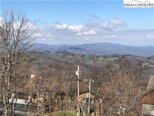 Photo of 208 N Pinnacle Ridge Road, Beech Mountain, NC 28604 (MLS # 229723)
