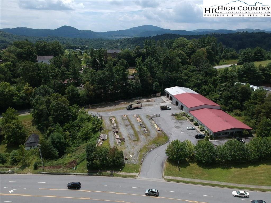 Photo of 1329 U.S. Highway 421 Highway, Boone, NC 28604 (MLS # 227738)