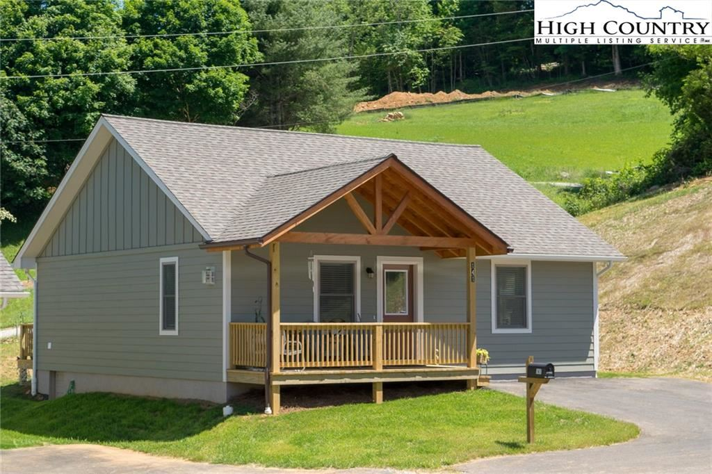 Photo of 16 Townhomes Place #16, Boone, NC 28607 (MLS # 230739)