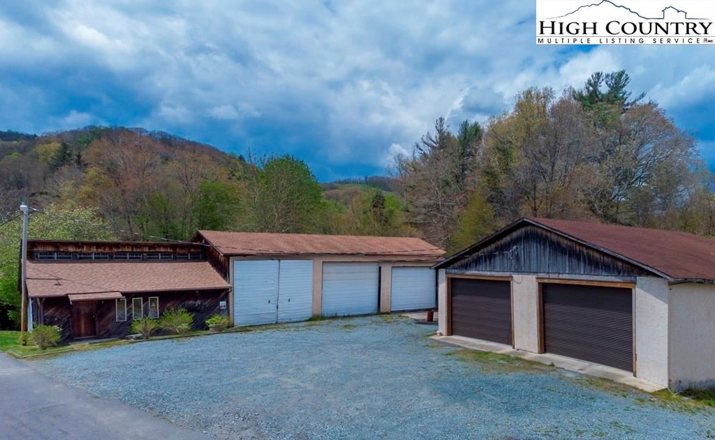 Photo for 1574 Millers Gap Highway, Newland, NC 28657 (MLS # 230744)