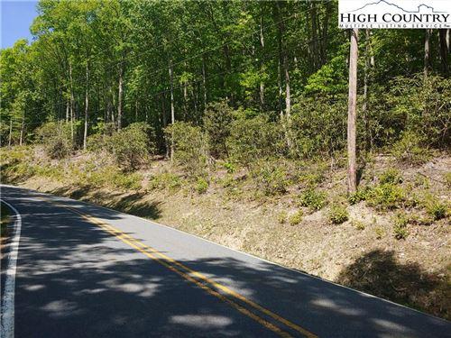 Photo of 1125 Pine Ridge Road, Beech Mountain, NC 28604 (MLS # 230751)