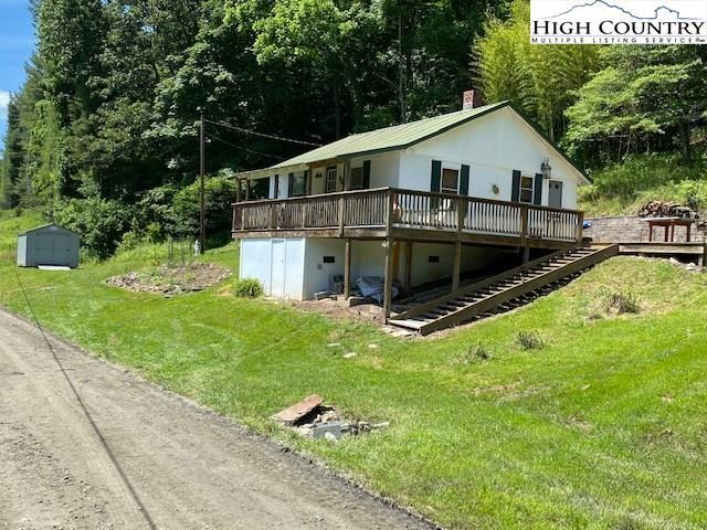 Photo of 793 E Weavers Ford Road, Grassy Creek, NC 28631 (MLS # 222753)