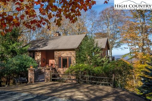 Photo of 102 Hummingbird Lane, Beech Mountain, NC 28604 (MLS # 220785)