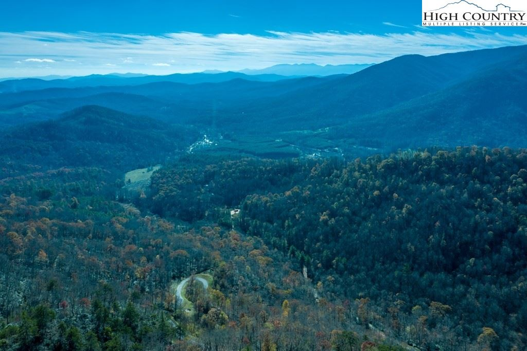 Photo for 443 Mountain Laurel Parkway, Spruce Pine, NC 28777 (MLS # 226803)