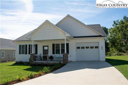 Photo of 107 Ridge Line Drive, West Jefferson, NC 28694 (MLS # 233813)