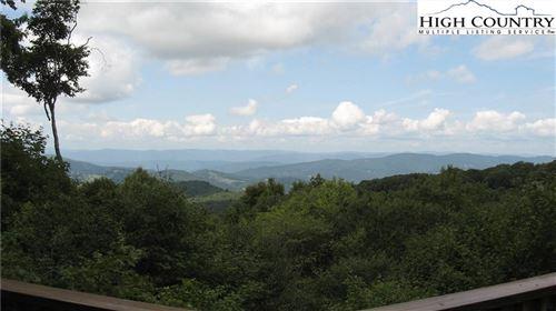 Photo of 102 Arrowwood Road, Beech Mountain, NC 28604 (MLS # 233828)