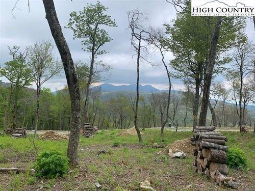 Photo of 188 Green Cliffs Road, Banner Elk, NC 28604 (MLS # 222831)