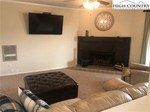 Photo of 301 Pinnacle Inn Road #3305, Beech Mountain, NC 28604 (MLS # 230832)