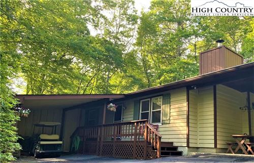 Photo of 25 Red Oak Lane, Linville, NC 28646 (MLS # 222854)