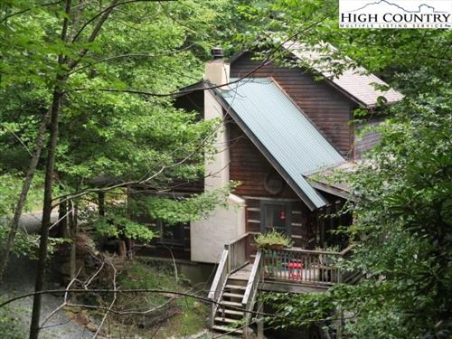 Photo of 181 Woodvalley Lane, Boone, NC 28607 (MLS # 224866)