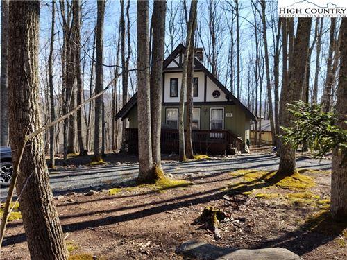 Photo of 111 Oak Road, Beech Mountain, NC 28604 (MLS # 228867)