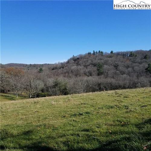 Photo of 11.898 Ac Summit Meadows Drive, Blowing Rock, NC 28605 (MLS # 226873)