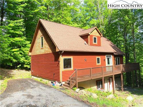Photo of 402 Pinnacle Ridge Road, Beech Mountain, NC 28604 (MLS # 230918)