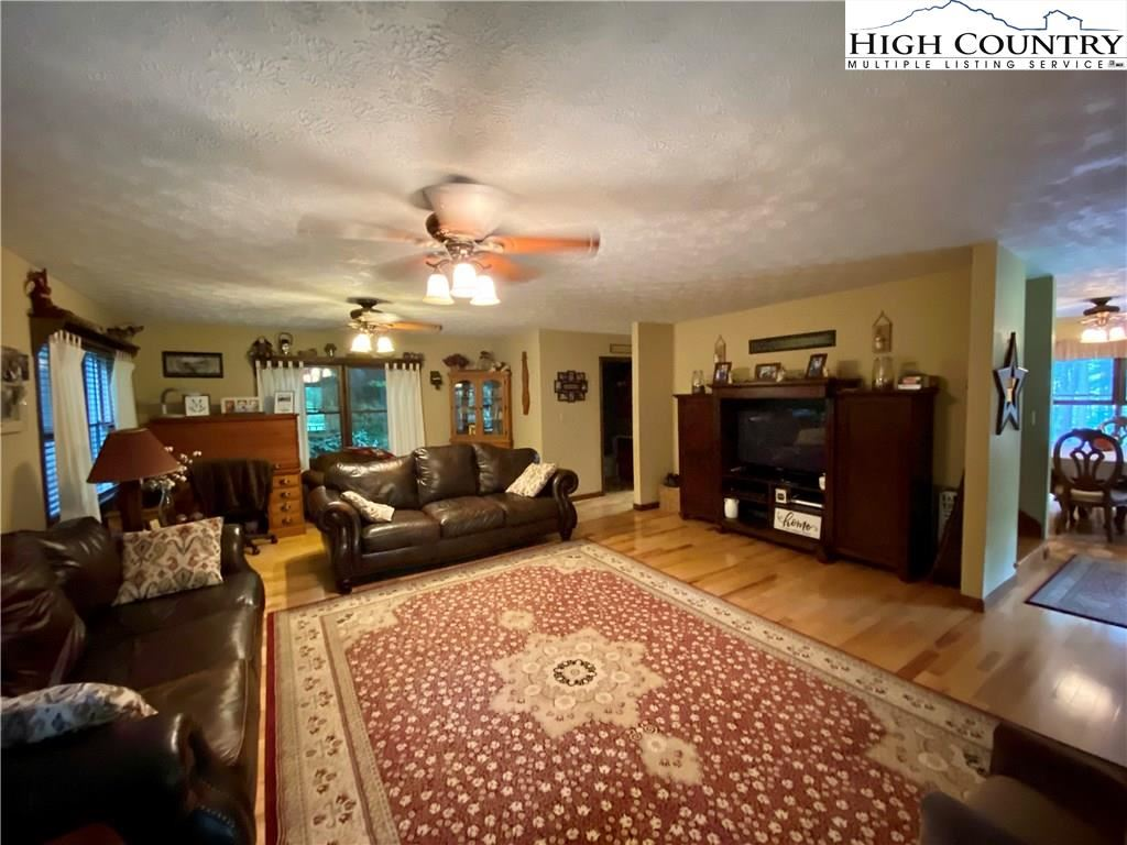 Photo of 124 Sunnybrook Lane, Sugar Grove, NC 28679 (MLS # 222932)