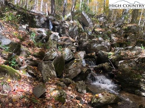 Photo of G27 Great Camp Trail, Banner Elk, NC 28604 (MLS # 224936)