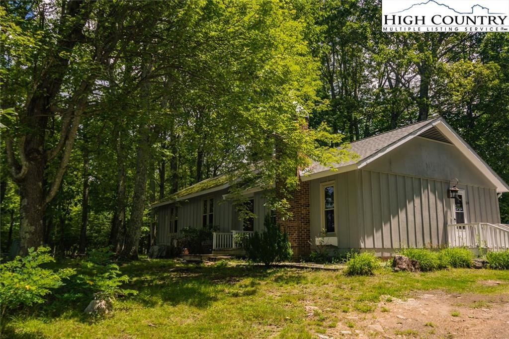 Photo of 126 Laurel Mountain Estates Drive, Todd, NC 28684 (MLS # 222938)