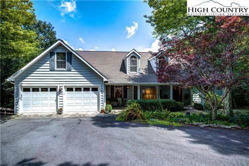 Photo of 387 Tarry Acres Circle, Blowing Rock, NC 28605 (MLS # 232945)