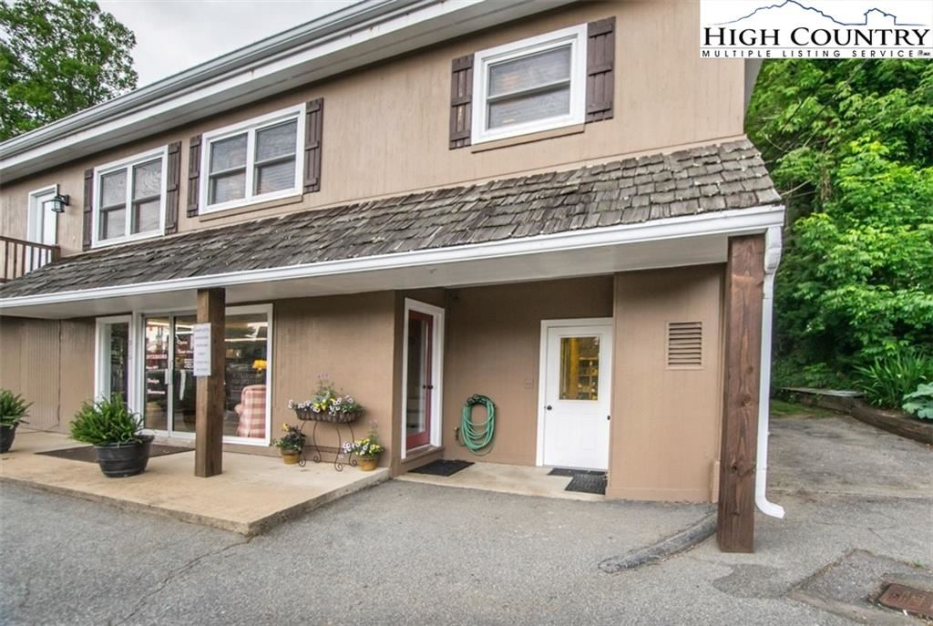 Photo for 916 Main Street, Blowing Rock, NC 28605 (MLS # 231948)