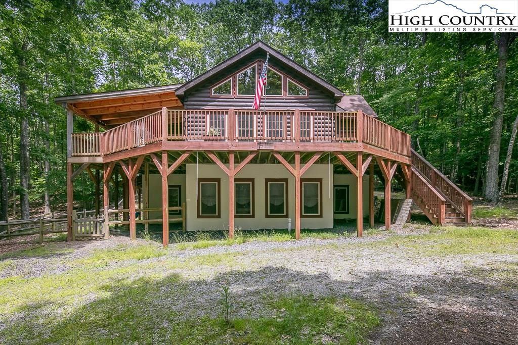 Photo of 104 S Hickory Lane, Beech Mountain, NC 28604 (MLS # 222952)