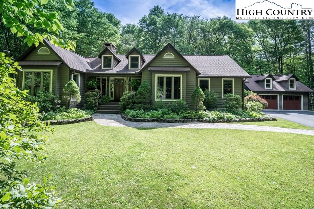 Photo for 84 Old Hickory Lane, Linville, NC 28646 (MLS # 230972)