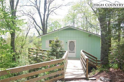 Photo of 204 Windridge Road, Linville, NC 28646 (MLS # 221990)