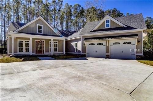 Photo of 15 Driftwood Court W, Bluffton, SC 29910 (MLS # 406090)
