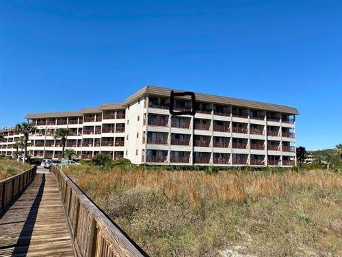 Photo of 40 Folly Field Road #402, Hilton Head Island, SC 29928 (MLS # 410134)