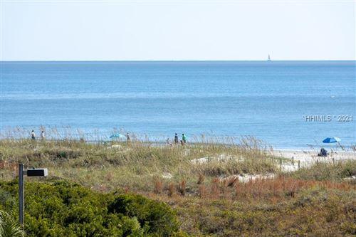 Photo of 40 Folly Field Road #320, Hilton Head Island, SC 29928 (MLS # 420224)