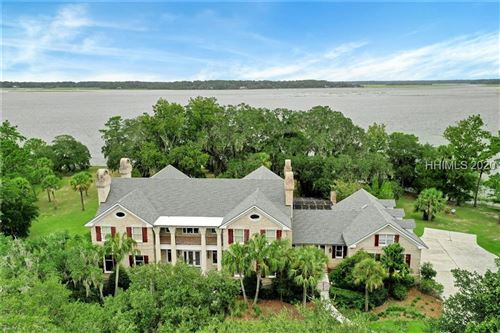 Photo of 17 Belfair Point Drive, Bluffton, SC 29910 (MLS # 388826)