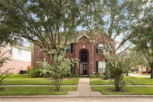 Photo of 605 Canyon Crest Drive, League City, TX 77573 (MLS # 40481004)