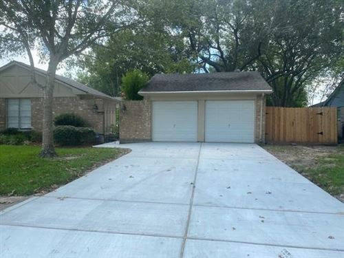 Photo of 510 Point Clear Drive, Friendswood, TX 77546 (MLS # 61384008)