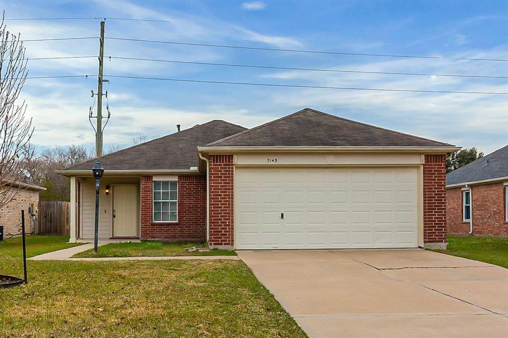 Photo for 7143 Chickory Woods Lane, Houston, TX 77083 (MLS # 23032008)