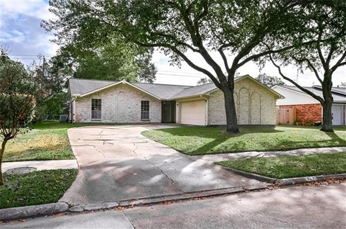 Photo of 2107 Willow Boulevard, Pearland, TX 77581 (MLS # 35101010)