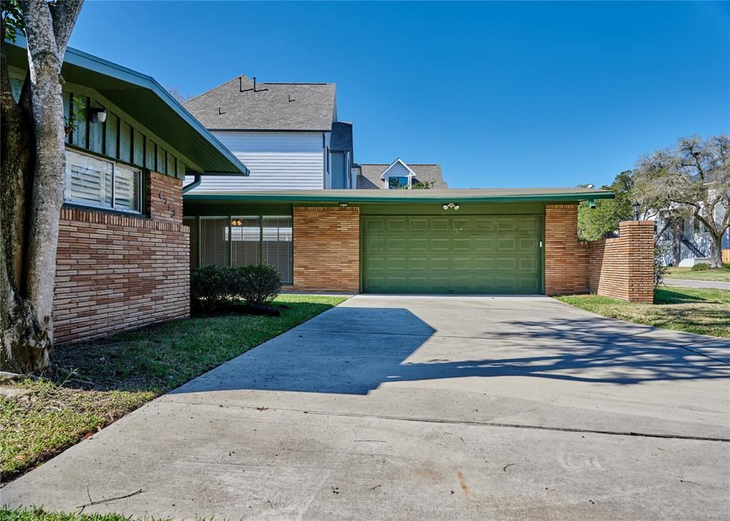 Photo for 4719 Imogene Street, Houston, TX 77096 (MLS # 87849014)