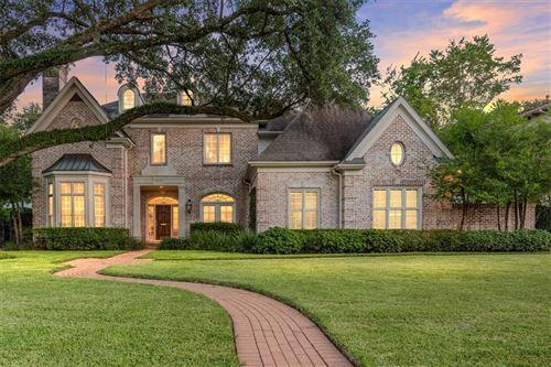 Photo of 5129 Longmont Drive, Houston, TX 77056 (MLS # 95792015)