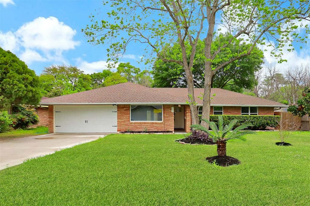 Photo for 9022 Greiner Drive, Houston, TX 77080 (MLS # 24531015)