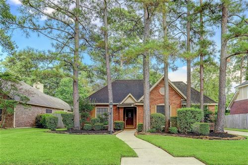 Photo of 10 Heathstone Pl Place, The Woodlands, TX 77381 (MLS # 18200026)