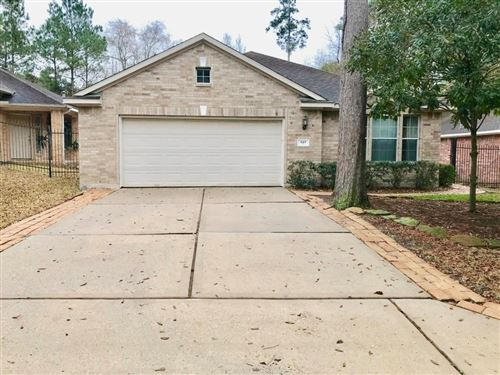 Photo of 143 E Foxbriar Forest Circle, The Woodlands, TX 77382 (MLS # 33061034)