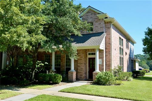 Photo of 18 E Pipers Green Street, The Woodlands, TX 77382 (MLS # 90071037)