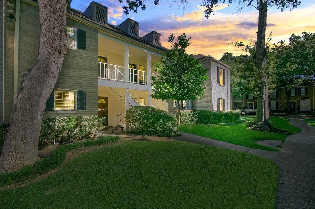 Photo for 12984 Trail Hollow Drive #A, Houston, TX 77079 (MLS # 76639037)