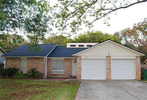 Photo of 1104 N Heron Drive, Seabrook, TX 77586 (MLS # 54752038)