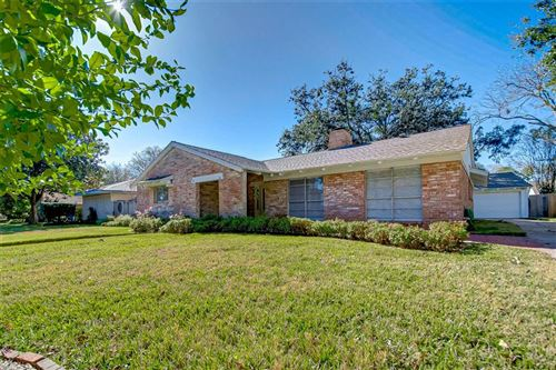 Photo of 18318 Carriage Lane, Nassau Bay, TX 77058 (MLS # 88714041)