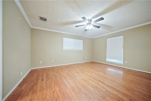 Tiny photo for 5822 Templegate Drive, Houston, TX 77066 (MLS # 61470044)