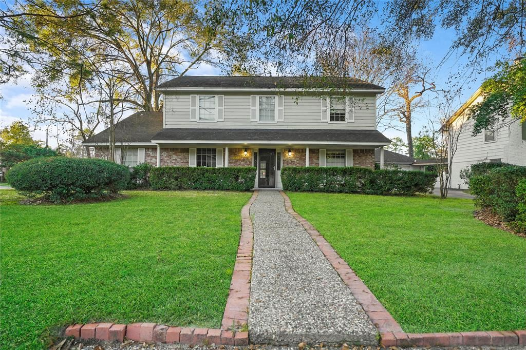 Photo for 5822 Templegate Drive, Houston, TX 77066 (MLS # 61470044)