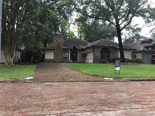Photo of 5419 Garden Village Drive, Houston, TX 77339 (MLS # 74942052)